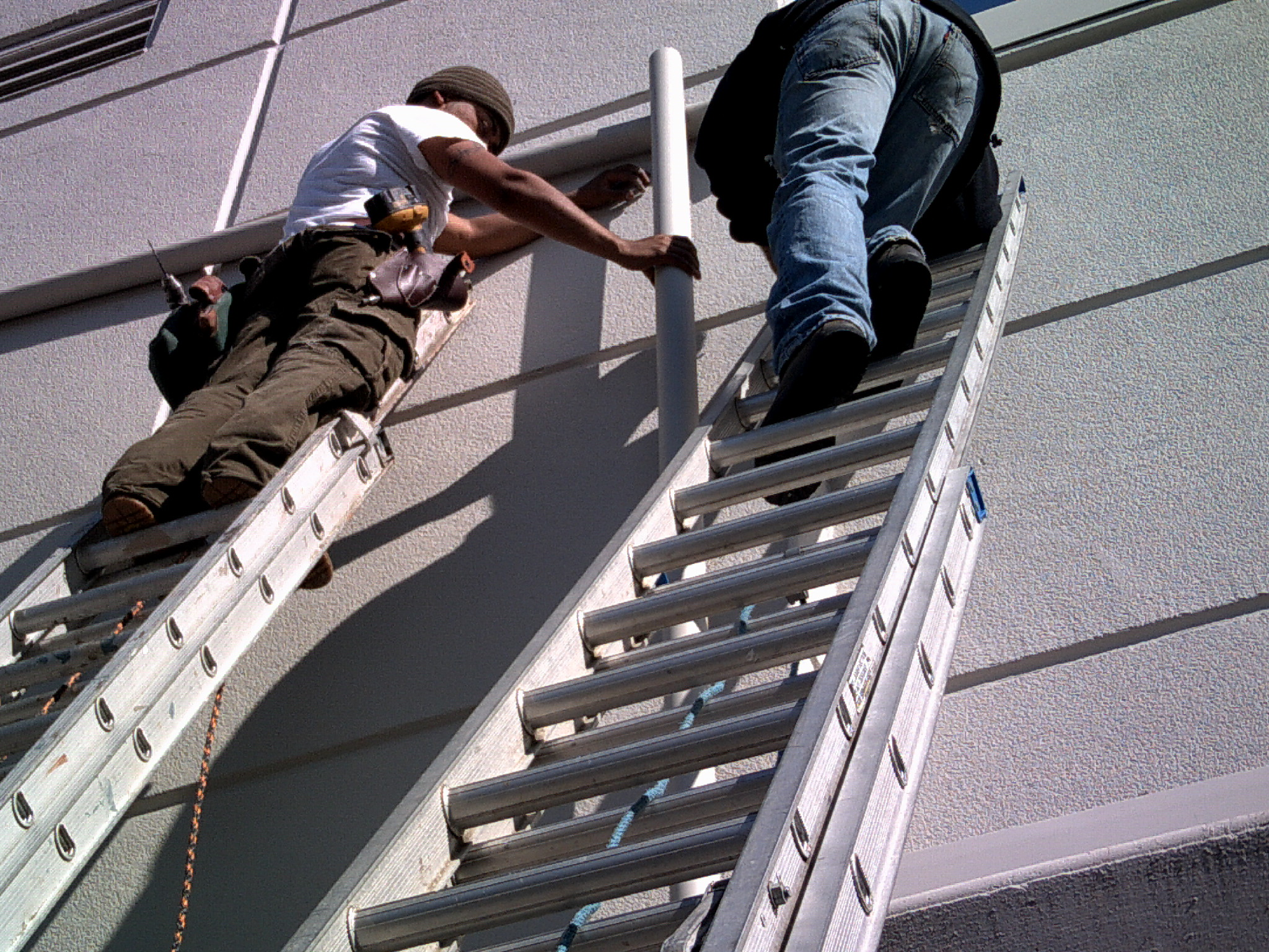 Experts In Rain Gutter Cleaning Service California